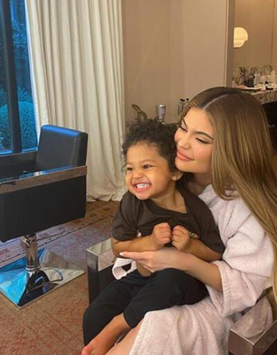 Kylie Jenner'dan korona paylaşımı: Hepinize dualarımı gönderiyorum!