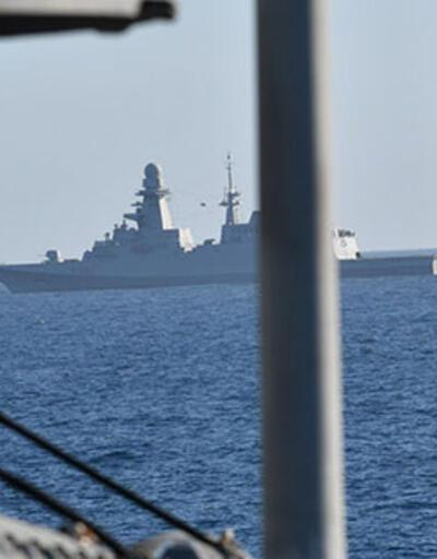 İyon Denizi'ne düşen Kanada helikopterini arama çalışmaları sürüyor