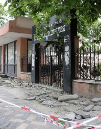 Adıyaman'da 52 yıllık kütüphanenin yıkımına başlanıldı