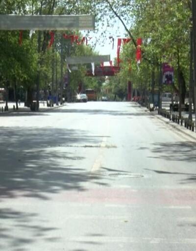 Yollar, caddeler, sokaklar bomboştu