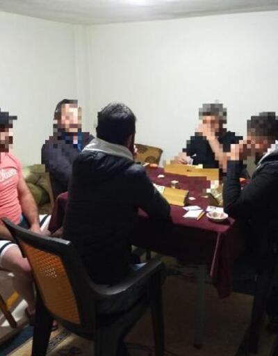 Evlerde kumar oynarken yakalanan 36 kişiye 113 bin TL ceza