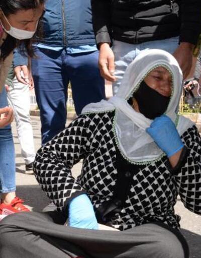 HDP önündeki annelerden Ayşegül Biçer: Oğlum, 'Beni kurtarın' diye haber gönderdi