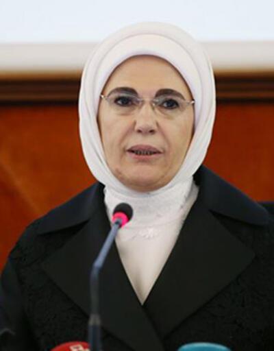 Emine Erdoğan'dan kullanılmış maske ve eldivenlerin atık kutularına atılması çağrısı