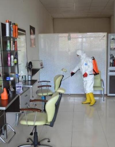 Adilcevaz'da berber ve kuaför salonlarında dezenfeksiyon çalışması