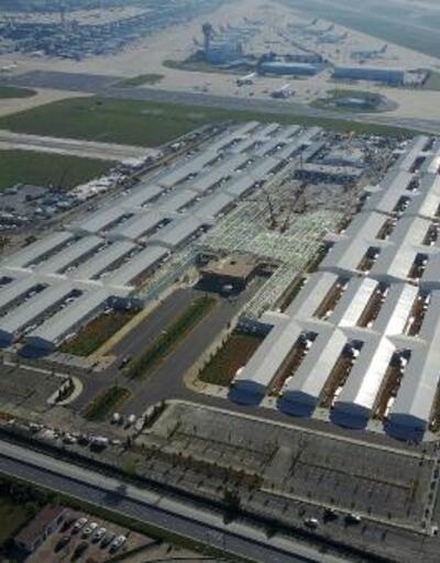 Atatürk Havalimanı'daki hastanenin yol ve otopark bölümleri yapılıyor