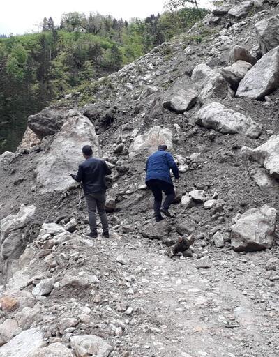 Trabzon'da heyelan nedeniyle iki mahallenin yolu ulaşıma kapandı