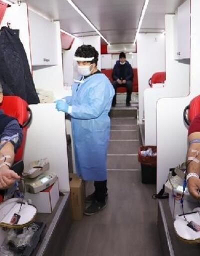 Öğretmenlerden Kızılay'a kan desteği