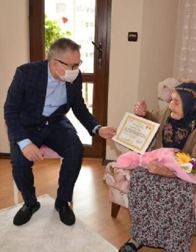 Niğde Valisi Şimşek 100 yaş ve üzeri annelerin gününü kutladı