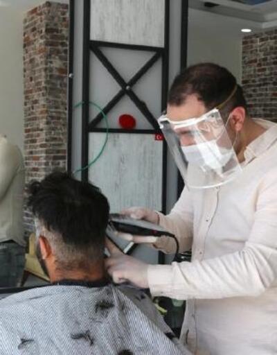 Kozan'da berberler tıraşa başladı