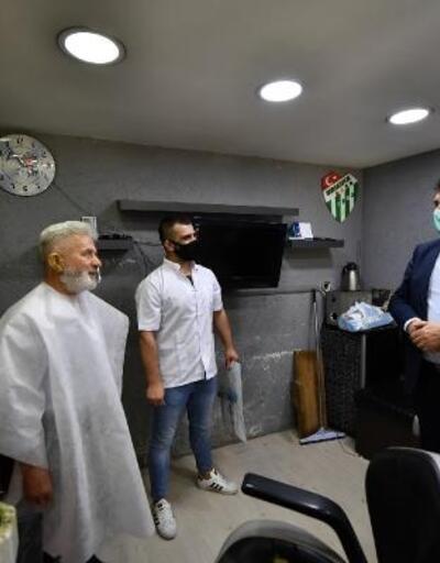 Osmangazi Belediye Başkanı Dündar'dan berber ve kuaförlere ziyaret