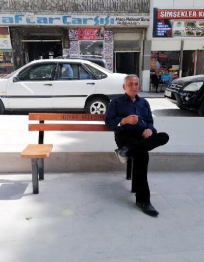 Dinar'a sosyal mesafeli bank