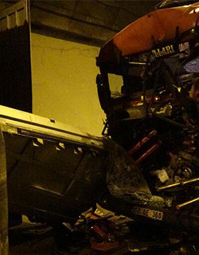 Otoyolda 5 TIR'ın karıştığı feci kaza! O anlar kamerada
