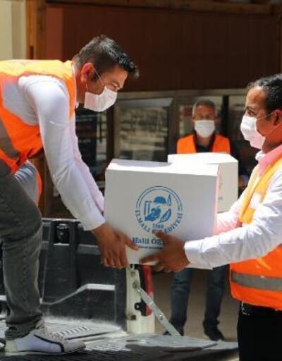 Elmalı'da bin aileye gıda paketi