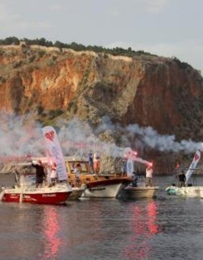 19 Mayıs'ı denizde kutladılar