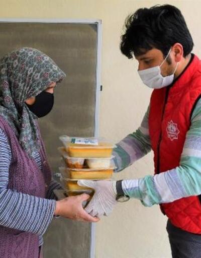 Aksaray Belediyesi, ramazan ayında her gün 2 bin kişiye yemek dağıtıyor
