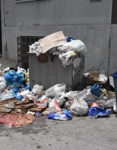 Mahalle halkının çöp tepkisi büyüyor