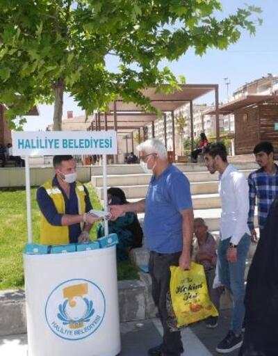 Belediye maske dağıtımını sürdürüyor