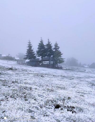 Düzce'de yaylalara kar yağdı
