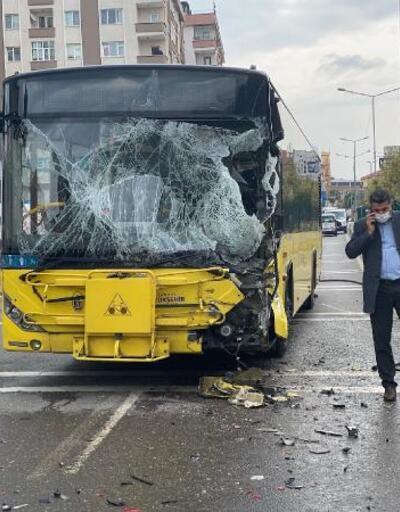 Son dakika... İETT otobüsü yol kenarındaki sulama aracına çarptı: 7 yaralı