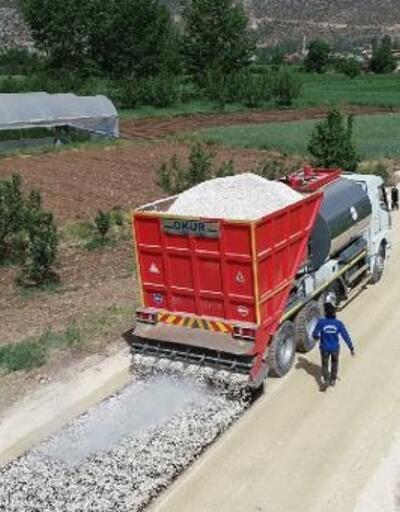 Elmalı'da asfalt çalışması