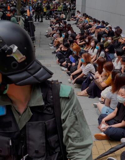 Hong Kong'da koronavirüse rağmen protestolar sürüyor
