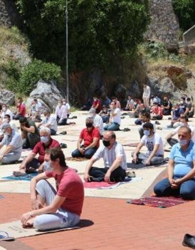 Alanya'da 74 gün sonra ilk cuma namazı