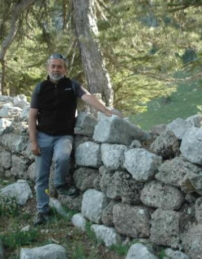 Mantar toplarken 2 bin 800 yıllık tarihi kalıntı buldu