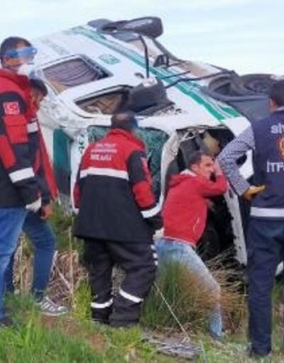 Sivas'ta cenaze aracı devrildi; 1 ölü, 1 yaralı