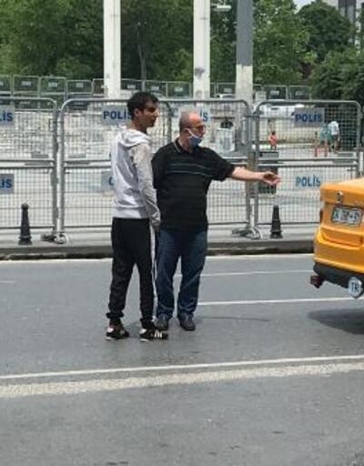 """Taksim'de """"para ödemedi"""" dediği müşterisini polise teslim etti"""