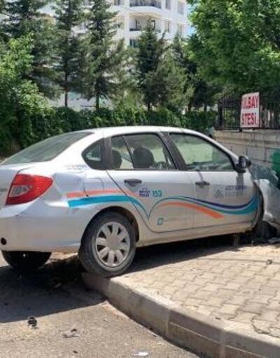 Adıyaman'da iki otomobil çarpıştı: 1 yaralı