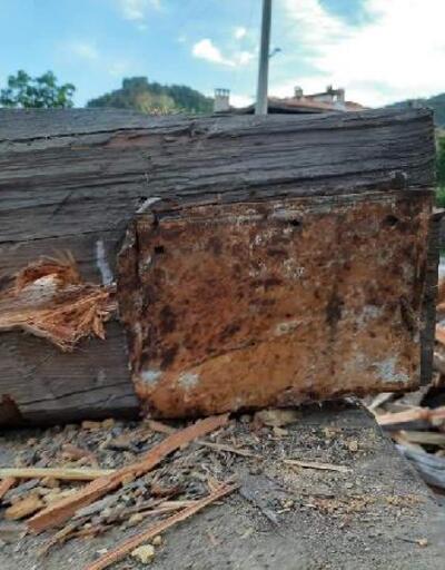 Çam odununun içinden 43 yıl sonra mektup çıktı