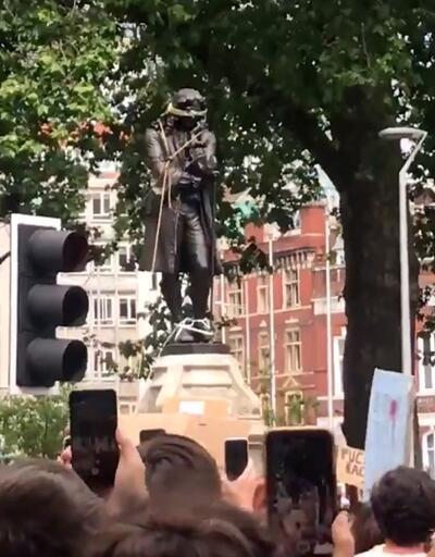 İngiltere'de göstericiler, köle taciri Edward Colston'ın heykelini yıktı