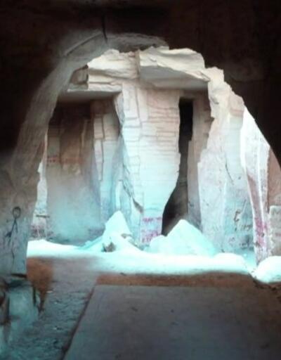 Tarihi mağara yazı tahtasına döndü | Video