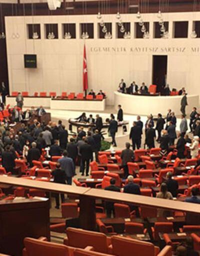 Meclis'te tansiyon yükseldi! CHP ve MHP milletvekilleri arasında tartışma