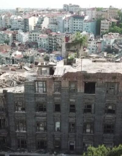 3 işçi çöken duvarın altında kaldı   Video