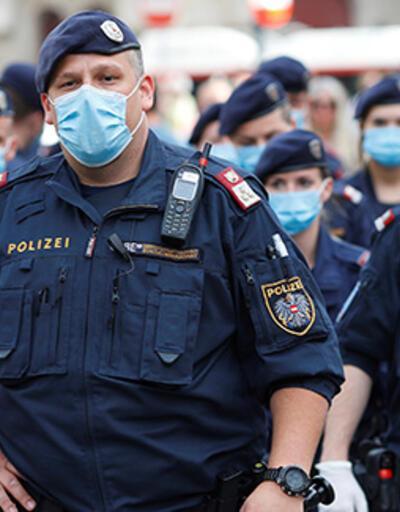 Avusturya'da polisin önünde gaz çıkaran adama 500 euro para cezası