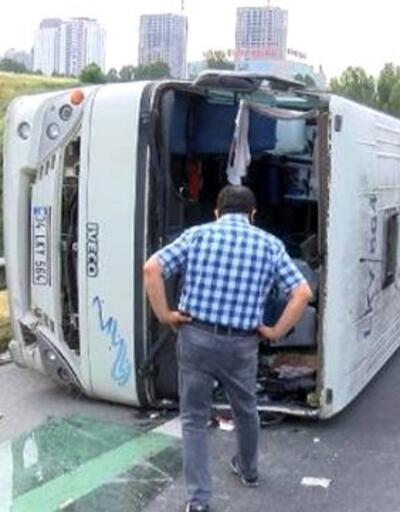 Son dakika: Hadımköy'de içinde çok sayıda yolcunun bulunduğu minibüs devrildi: 10 yaralı