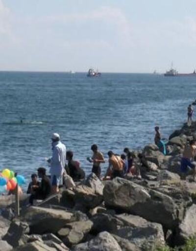 Kısıtlama sonrası Bakırköy Sahili'nin yolunu tuttular