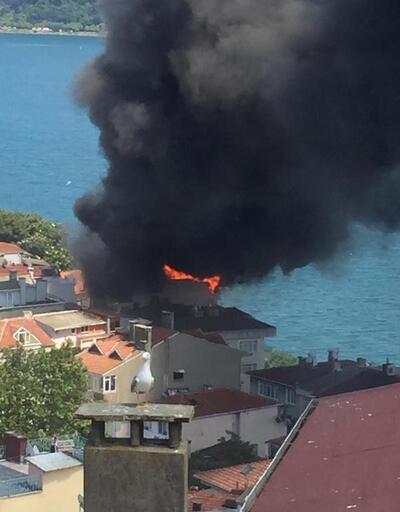 Son dakika: Sarıyer'de bir binanın çatısı alev alev yanıyor | Video