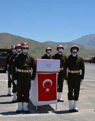 Son dakika: Hakkari'de şehit olan Piyade OnbaşıDurak'ın cenazesi, memleketine uğurlandı