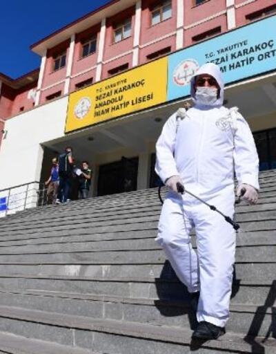 Yakutiye Belediyesi, YKS öncesi okul ve salonları dezenfekte etti