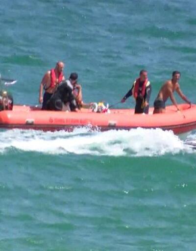 Kayalıklara çarpan teknedeki 2 kişi kurtarıldı | Video