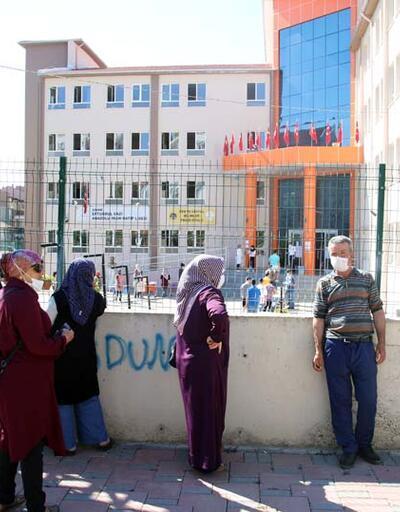YKS'de ikinci gün maratonu.. Türkiye'den sınav manzaraları