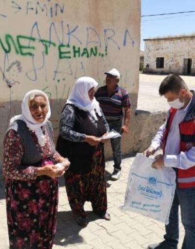 Aksaray Belediyesi ürettiği maskeleri merkeze bağlı köylerde dağıtmaya başladı