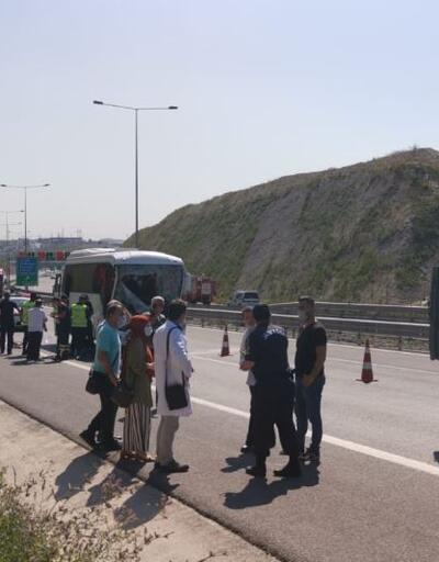 Son dakika... İşçi servisiyle kamyon çarpıştı: 13 yaralı
