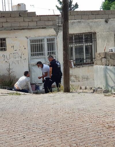 Engelli olduğunda ısrar eden dilenci, polisin iknası sonucu yürüdü