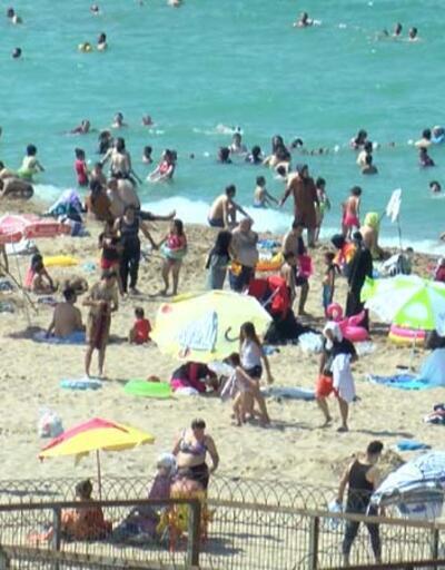 Son dakika... İstanbullular hafta sonu plajlara akın etti