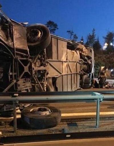 Son dakika haberi! TEM Otoyolu'nda feci kaza! 1 ölü, 14 yaralı  | Video