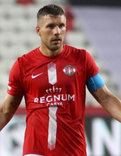 Lukas Podolski sezonu kapattı