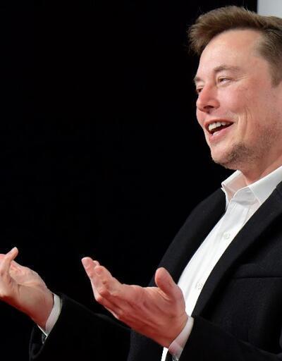Dakikalar içinde tükendi: Elon Musk şimdi de şort satıyor
